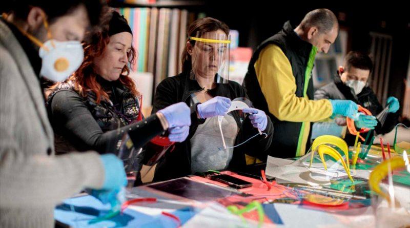 """""""Makers"""": los 13,500 voluntarios superhéroes 3D de España contra el coronavirus"""