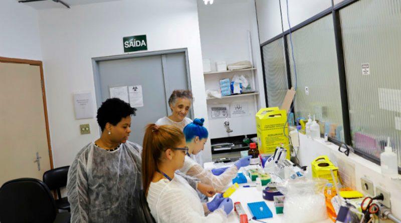 Profundizan científicos en potencial proteína pata inhibir al coronavirus en el humano