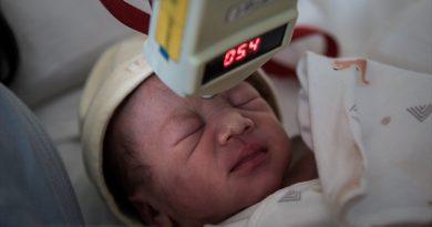 Graves complicaciones clínicas en tres recién nacidos de madres con la COVID-19
