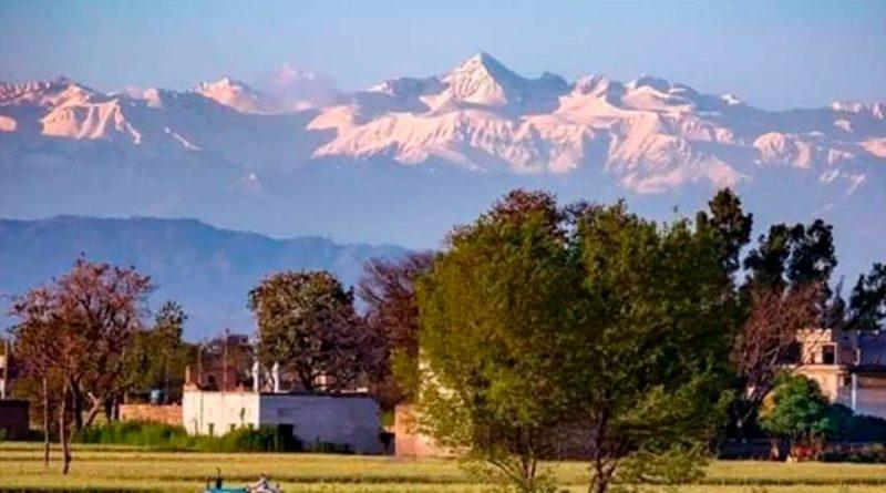 Así luce el Himalaya tras reducir la contaminación en India por contingencia