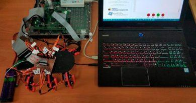 Crean un robot-insecto con neuronas artificiales que modifica el movimiento en tiempo real ante un estímulo