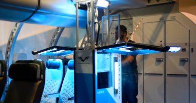 Covid-19: Estos robots autónomos desinfectan aviones sin poner en peligro al personal de limpieza