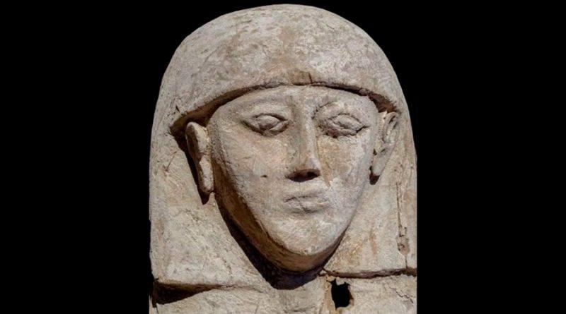 La momia de una joven de hace 3.600 años con su ajuar aparece en Luxor