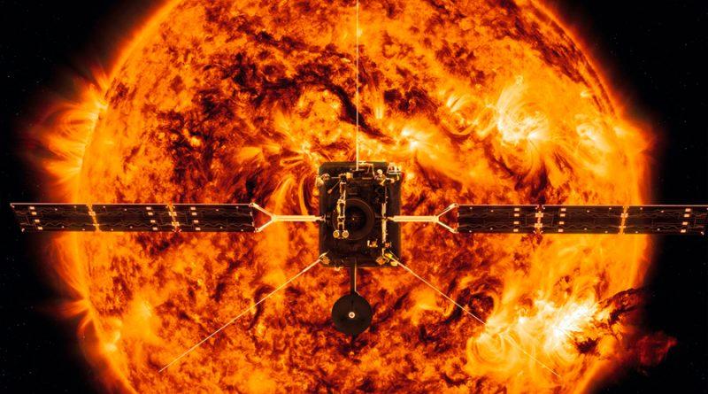 Solar Orbiter, la sonda camino del Sol, cruzará la estela del cometa Atlas