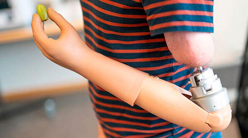 Prótesis controladas por el cerebro sienten como una mano biológica