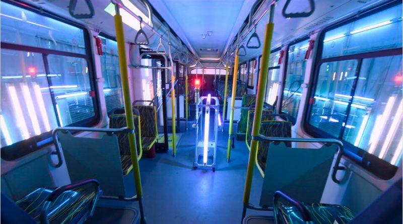 EE.UU. usará luz ultravioleta para matar al coronavirus en trenes y autobuses públicos