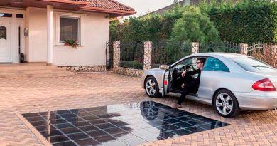 Primer pavimento solar fotovoltaico doméstico para instalar a la entrada de tu casa