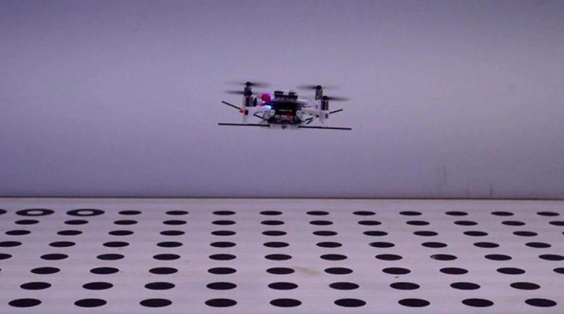 """Este dron copia el mecanismo de detección """"ciega"""" de los mosquitos para esquivar obstáculos"""