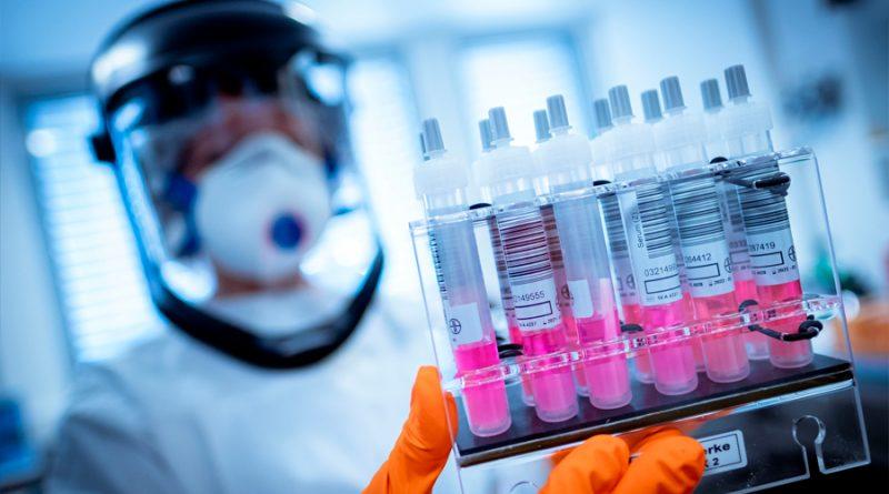 Más de 140 líderes mundiales y expertos piden que la vacuna contra el Covid-19 sea gratuita