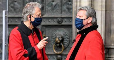 Miles de gotas de saliva de personas que hablan en voz alta permanecen en el aire entre 8 y 14 minutos
