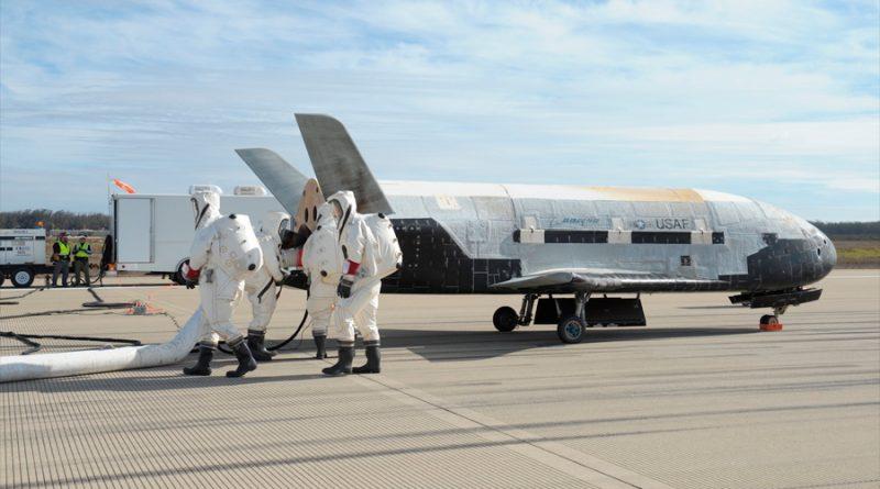 Lo que se sabe de la nueva misión del X-37B, el misterioso avión orbital de la Fuerza Aérea de EU