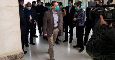 """""""Las autoridades en Wuhan no querían decirnos la verdad sobre el coronavirus"""": epidemiólogo héroe del SARS"""
