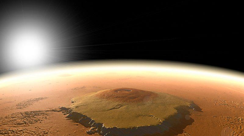 Viajes espaciales provocarían intercambio de virus entre la Tierra y Marte, advirtió el astrobiólogo Rafael Navarro