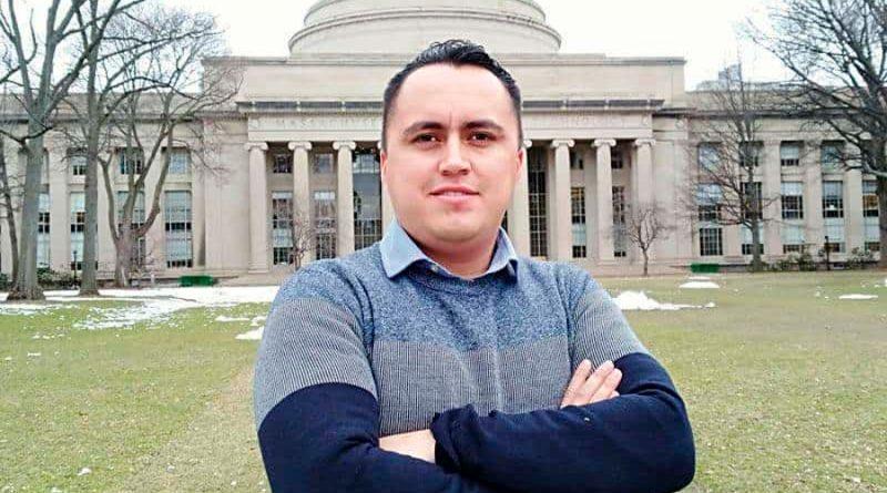 Otorga OSA premio a investigador mexicano