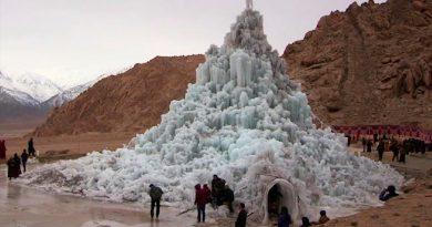 Crean glaciares artificiales en el desierto para convertirlo en un oasis