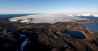 Geógrafos rusos establecen las nuevas coordenadas del polo sur magnético