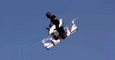 La policía de Dubai sufre un accidente probando la bici voladora Hoversurf Scorpion
