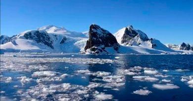 Hallan microplásticos hasta en la Antártida