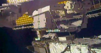 Un astronauta pierde un inusual objeto cuando salió de la nave para reparar una batería