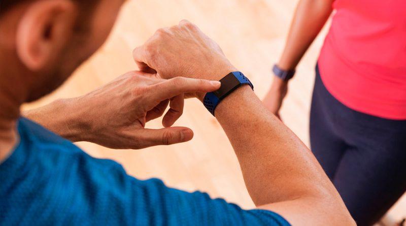 Estos smartwatches te pueden ayudar a saber si tienes Covid-19