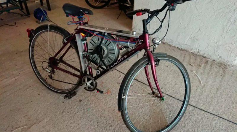 Crea su propia bicicleta eléctrica usando un motor de lavadora, y puede viajar a 110 Km/h