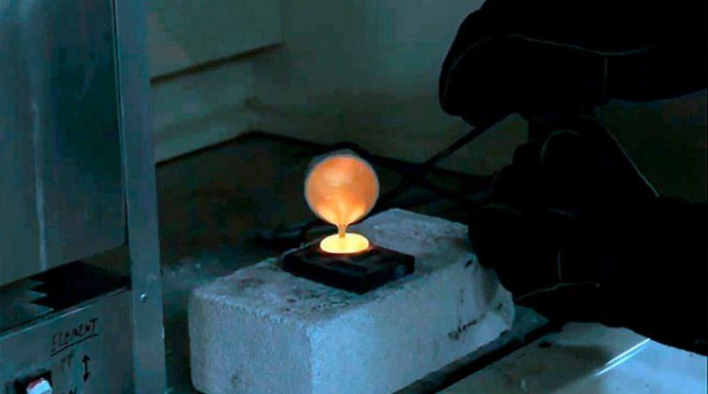 Crean método que recicla aparatos electrónicos y extraer de ellos metales preciosos, especialmente oro