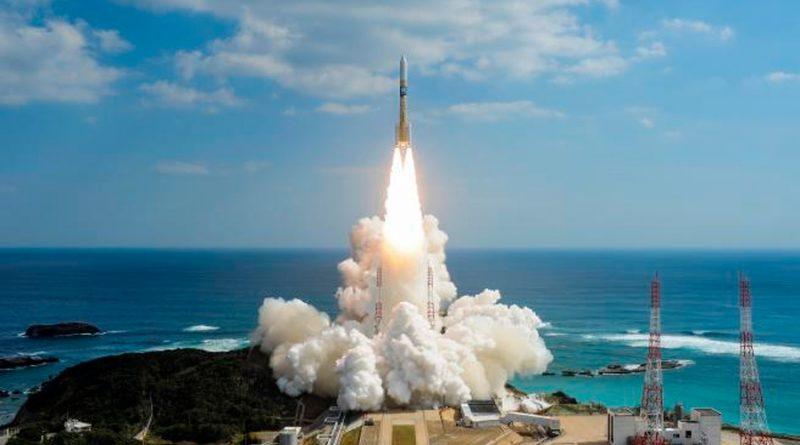 """Despega finalmente la misión Hope a Marte, que Emiratos celebra como un """"logro árabe"""""""