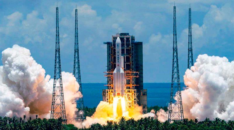 China lanza su primera sonda a Marte