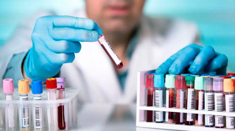 'Potente mezcla' de anticuerpos de pacientes graves podrían prevenir y tratar el COVID-19, según estudio