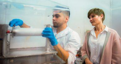 Científicos argentinos crean tela desinfectante que destruye por contacto virus y bacterias