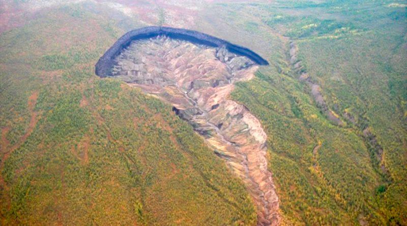 Alertan del rápido crecimiento de 'la puerta del infierno', el gigantesco cráter de Siberia