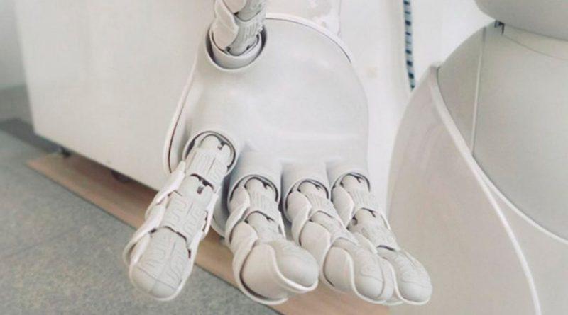 Crean una mano robótica que puede revolucionar la atención médica