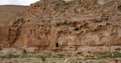 Hallan en una cueva neolítica de Israel cuchillos usados para desmembrar difuntos