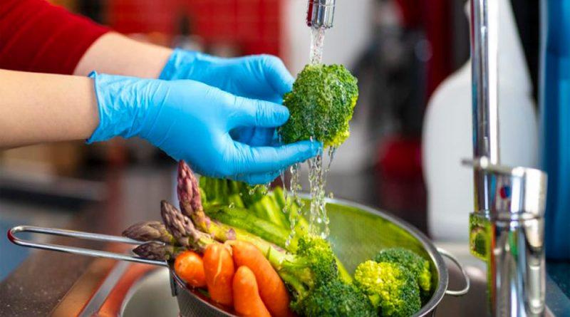 OMS: no hay pruebas de que el COVID-19 se contagie a través de los alimentos
