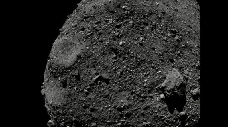 Aproximación rasante de la nave OSIRIS-REx al asteroide Bennu