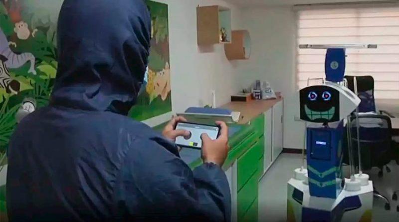 Supertank, el robot anticovid colombiano que lleva mensajes a pacientes en UCI