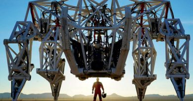 Este gigantesco exoesqueleto permitirá a los seres humanos ser tan poderosos como las máquinas