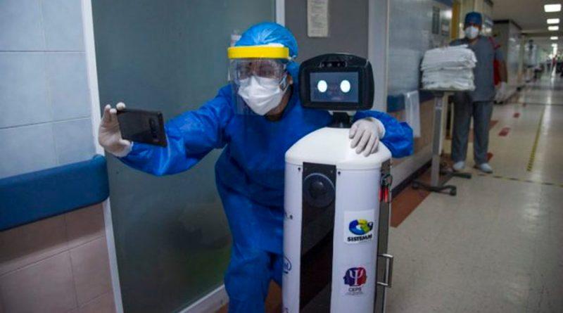 La Robotina mexicana que lleva apoyo a pacientes con Covid-19
