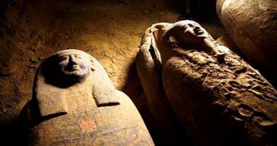Descubren 13 misteriosas momias en un pozo de Egipto
