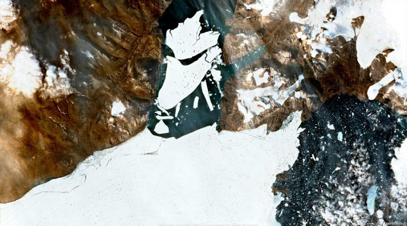 Un iceberg de 110 km cuadrados se desgaja del mayor baluarte de hielo del Ártico