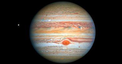 Hubble capta relucientes a Júpiter y su luna Europa