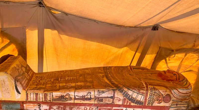 Descubren sarcófagos de hace 2,500 años en Saqqara, Egipto