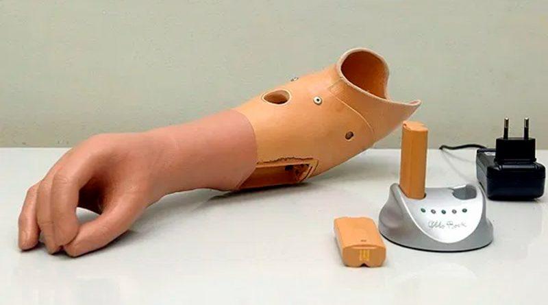 Crean una prótesis de mano biomimética que restaura más del 90 por ciento de la funcionalidad