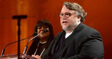 Guillermo del Toro felicita a joven mexicano que ganó oro en Olimpiadas de Matemáticas