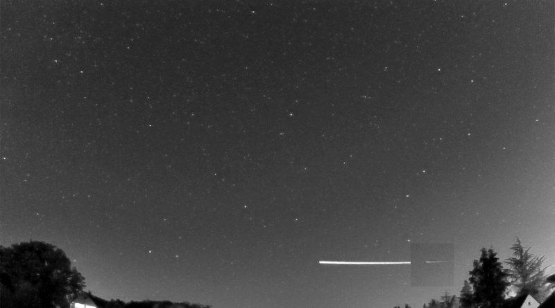 Un meteoroide 'afortunado' roza la atmósfera de la Tierra