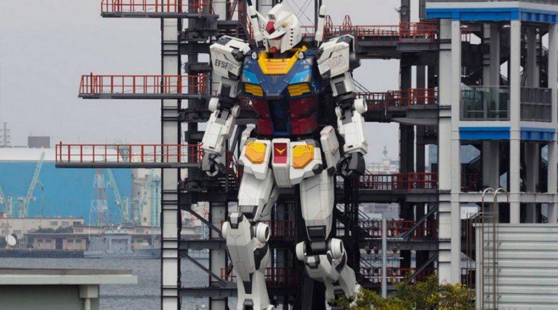 El robot japonés Gundam de 20 metros ya anda, mueve los brazos y se pone de rodillas