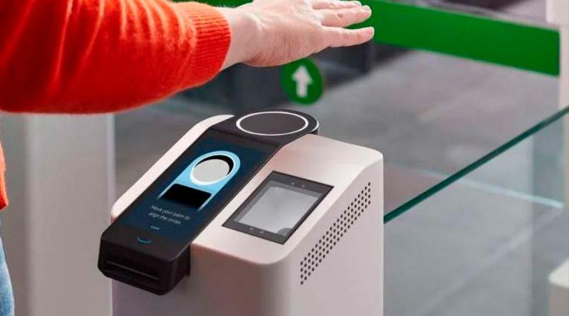 Amazon presenta sistema de pago biométrico con la palma de la mano