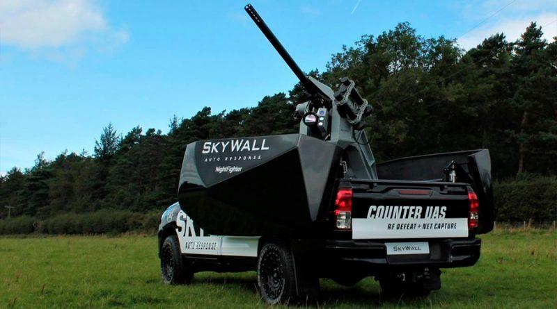 SkyWall Auto, el vehículo que atrapa drones a cañonazos