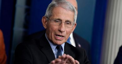"""Fauci afirma que un acto en la Casa Blanca fue un """"evento de super propagación"""" del coronavirus"""