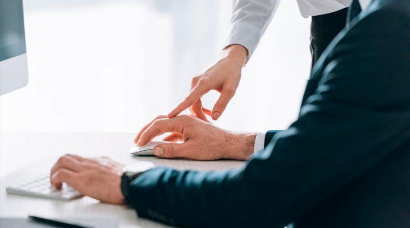 Cómo evitar el síndrome del ratón y los calambres en los dedos